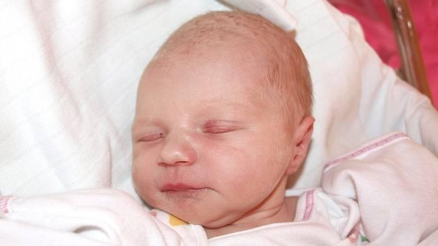 Michaele Macháčkové ze Šluknova se 23. září ve 4.35 v rumburské porodnici narodila dcera Michaela Macháčková. Měřila 48 cm a vážila 2,57 kg.