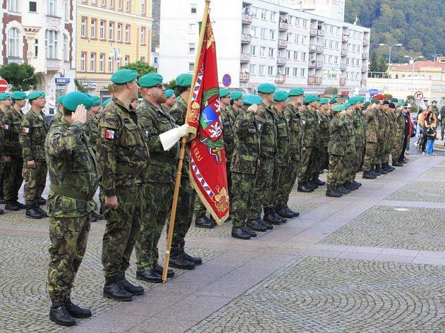 Příslušníci aktivních záloh oslavili v Děčíně desáté výročí vzniku své jednotky.