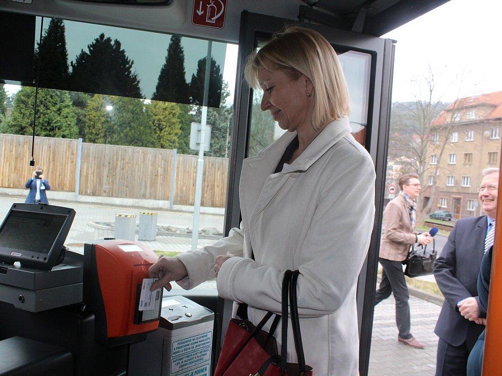 Novou chytrou kartu představil dopravní podnik města.