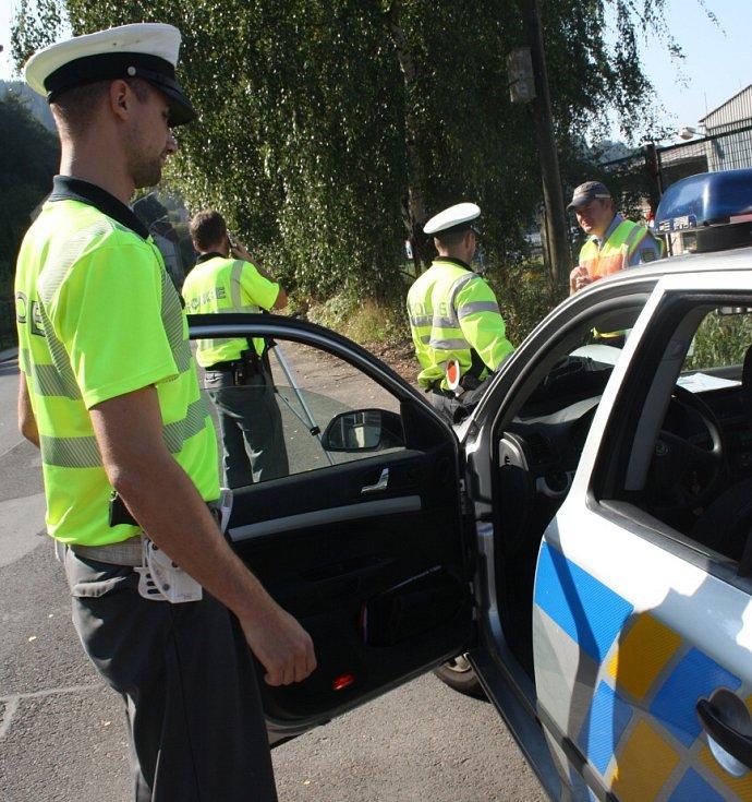 Česko – německá policejní hlídka ve středu dopoledne kontrolovala řidiče, kteří projížděli Loubím.