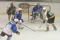 Na mosteckém ledě utrpěli děčínští hokejisté až příliš krutou porážku.
