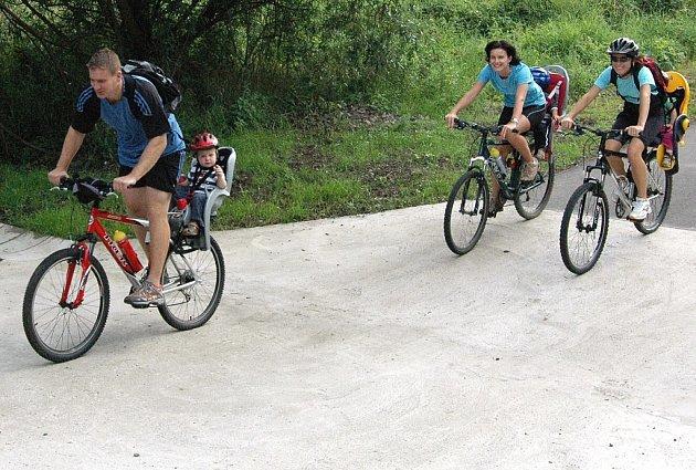 Cyklisté a bruslaři dostali prázdninový dárek