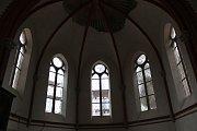 Opravy Červeného kostela ve Varnsdorfu.
