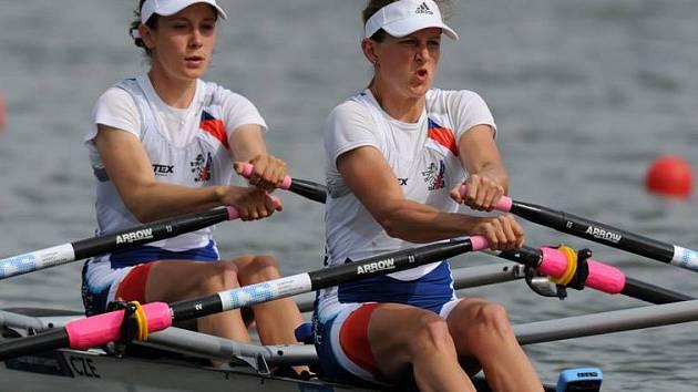 ANNA ŽABOVÁ (vlevo) v akci společně se svou sportovní partnerkou Terezou Kociánovou.