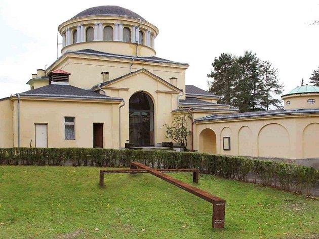 Takto bude vypadat pomník v Děčíně na Folknářích nad hrobem 380 měšťanů, jejíchž ostatky sem byly přenese.