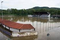 VELKÁ VODA zasáhla i do děčínských sportovních areálů.
