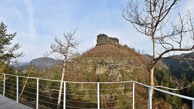 Křest vyhlídky u skalního hradu Falkenštejn proběhne v sobotu 21. dubna.