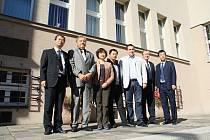 Čínská delegace po jednání na magistrátu