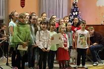 Koledy si s Deníkem zazpívali také v DDM v Rumburku.
