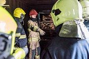 Výcvik rumburských hasičů na polygonu.