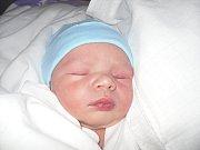 Rodičům Petře a Martinovi Kučerovým se v pátek 24. května ve 04:34 hodin narodil syn Karel Kučera. Vážil 3,54 kg.