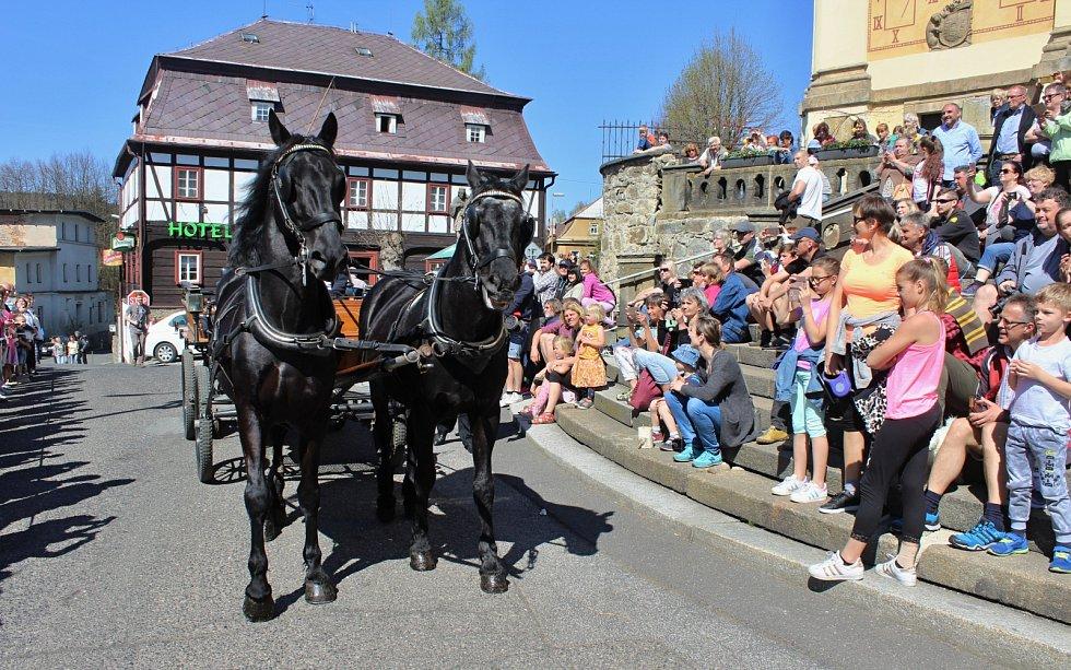 Velikonoční jízda v Mikulášovicích na Děčínsku v roce 2019