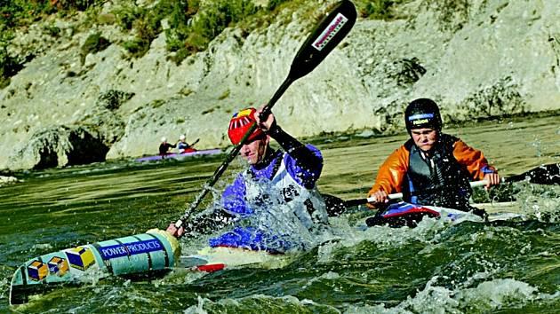 Lukáš Matys (vpředu) a Lenka Hrochová při závodě