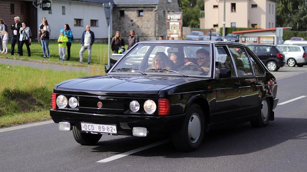 Sraz automobilových veteránů v Horním Podluží.