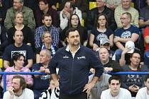 VELKÁ VLNA NEVOLE. Fanoušci děčínského basketbalu stále nepřijali fakt, že vedení klubu ukončilo po 15 letech spolupráci s trenérem Pavlem Budínským (na snímku).
