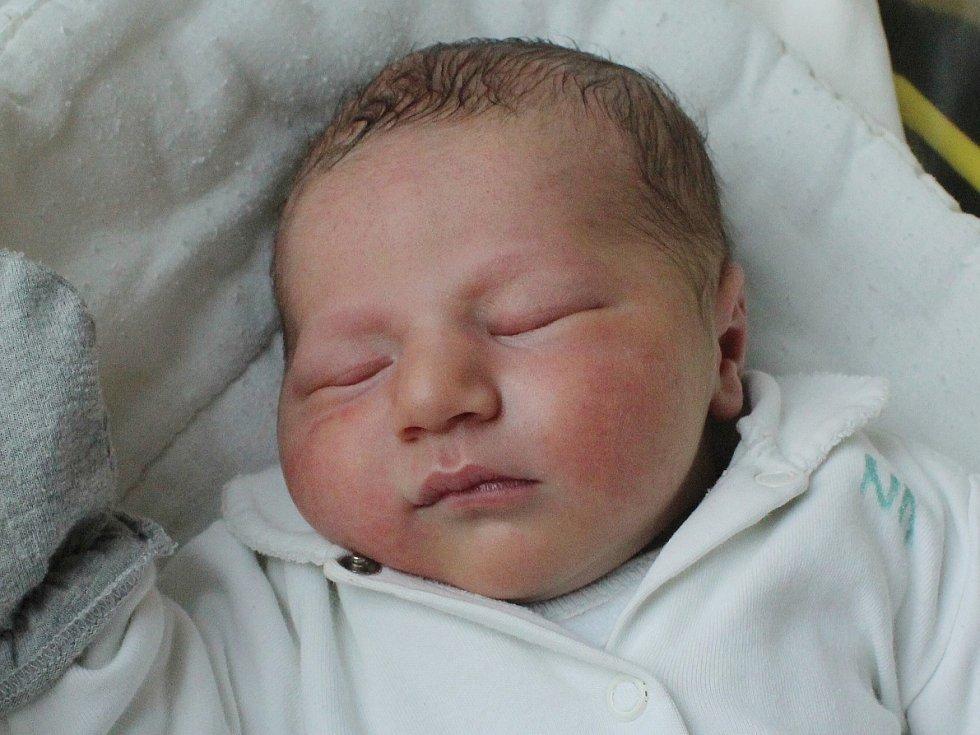 Dominik Hurák se narodil Evě Kolnerové a Milanu Hurákovi z Varnsdorfu 9.10. v 6.03. Měřil 48 cm a vážil 3,72 kg.