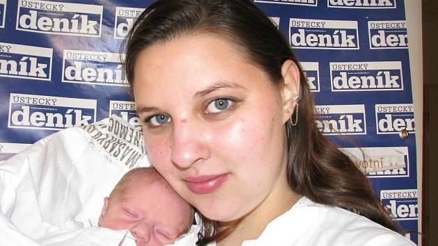 Ivetě Wepsové z Jílového u Děčína se 26. dubna 2010 ve 12.07 hodin v ústecké porodnici narodil syn Tomáš. Měřila 48 cm a vážil 2,82 kg.