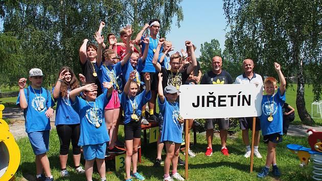Absolutním vítězem sportovních her se staly děti z Jiřetína pod Jedlovou.