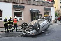Dopravní nehoda na Teplické ulici v Děčíně.