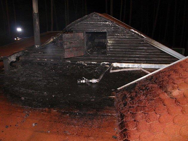V noci ze středy na čtvrtek se ve Staré Olešce na Děčínsku odehrál požár se šťastným koncem.
