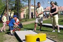Sportovní areál v Krásné Lípě zahájil novou sezonu golfovým turnajem.