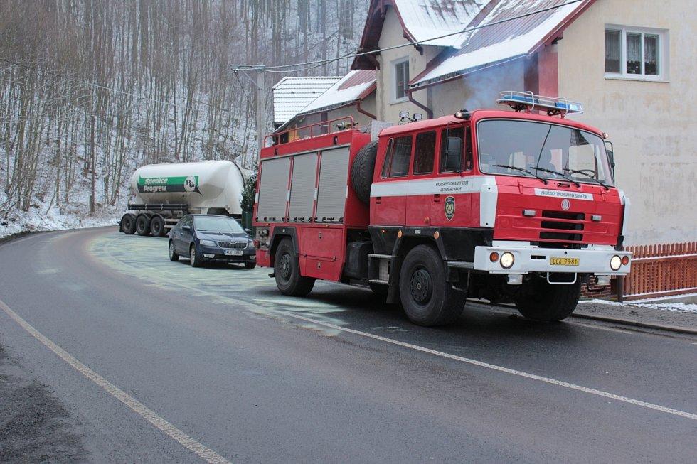 Nehoda ve Františkově nad Ploučnicí.