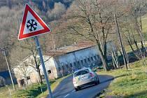 Zatáčka těsně před Jiřetínem pod Jedlovou je nebezpečná. Tragická dopravní nehoda se tu stala před několika dny.