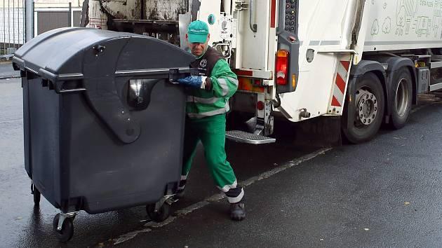 Bystřice zvedá poplatek za odpad. Obyvatelé si připlatí o sto korun víc