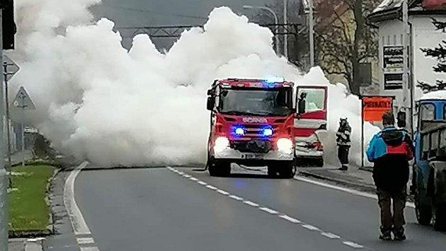 Požár auta vBynově.