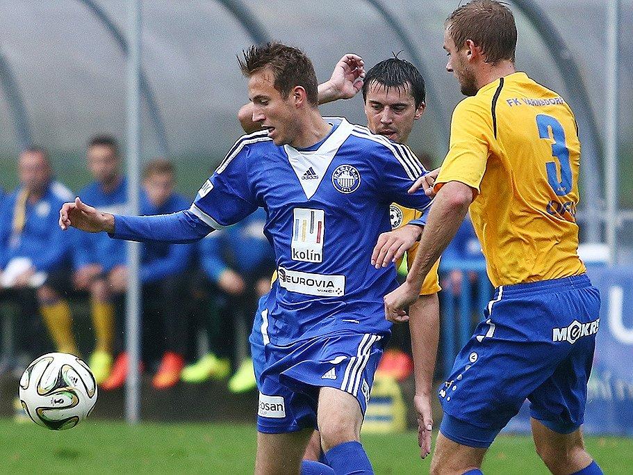 PARÁDA! Fotbalisté Varnsdorfu (ve žlutém) vyhráli v Kolíně 5:0.