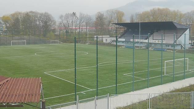 Děčínský městský stadion bude svědkem kvalitních soubojů.