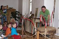 Indiánská výstava na zámku ve Šluknově.