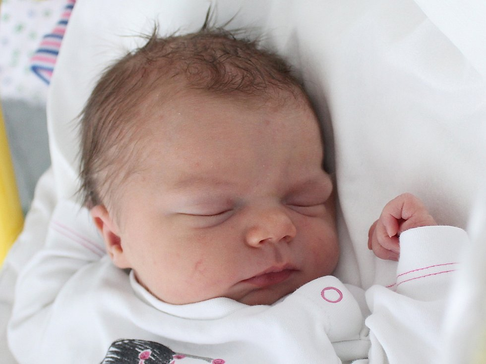 Karolína Kliková se narodila Haně a Alešovi Klikovým z Chřibské 19. března ve 14.53. Měřila 50 cm a vážila 3,50 kg.