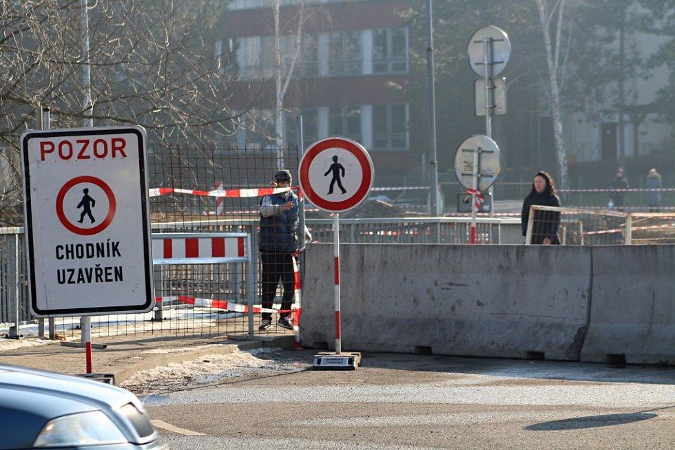 Stavba Vilsnické spojky uzavřela některé chodníky.