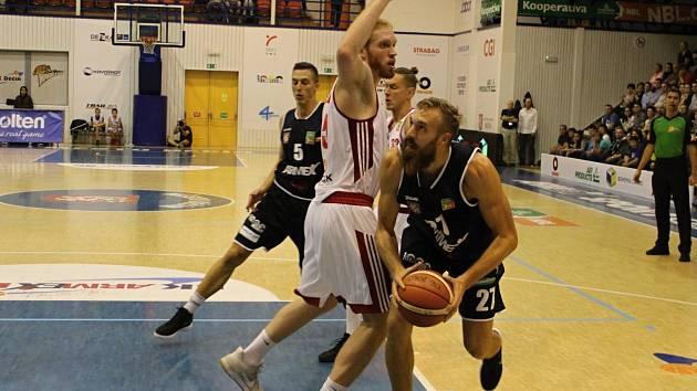 JE TO TADY. Děčínští basketbalisté rozehrají play-off doma. Soupeřem jsou Svitavy.