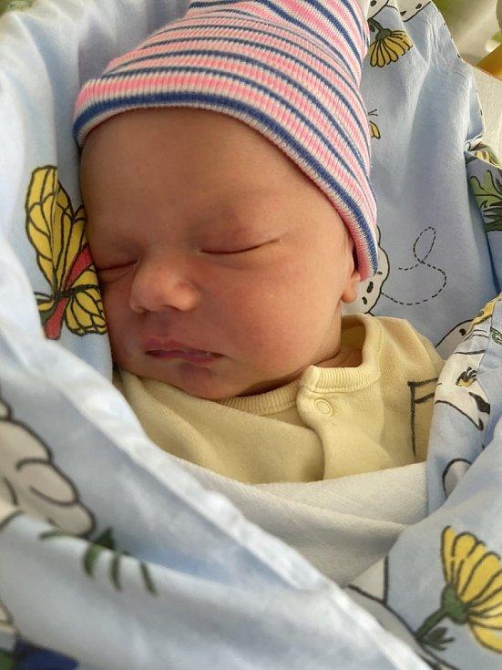 Štěpán Pícha se narodil mamince Petře Píchové 22. května ve 12.45 hodin. Měřil 49 cm a vážil 3,08 kg.