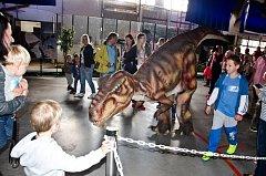 Putovní výstava dinosaurů zavítala do Děčína.