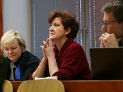 Věra Marešová v soudní síni po osvobozujícím rozsudku.