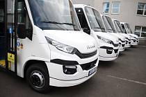 Děčín koupil pět nových mikrobusů na CNG.