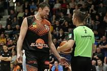 Basketbalové derby mezi Děčínem a Ústím nad Labem.