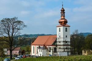 Kostel v Lipové na archivním snímku