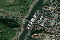 Loď Ever Given v Děčíně.