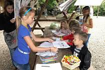 Více než šest stovek lidí se v sobotu 4. září přišlo do děčínské zoo rozloučit s prázdninami.