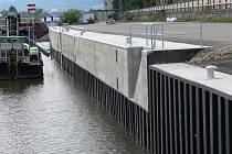 Modernizace přístavní zdi v přístavu Rozbělesy