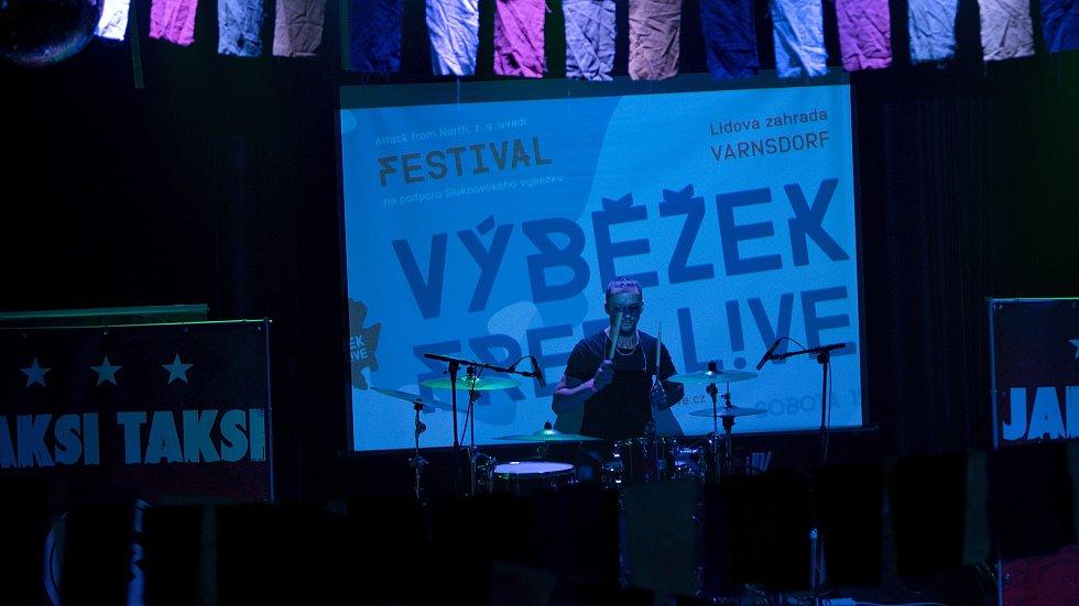 Festival Výběžek free L!VE roztančil Circus Problem.
