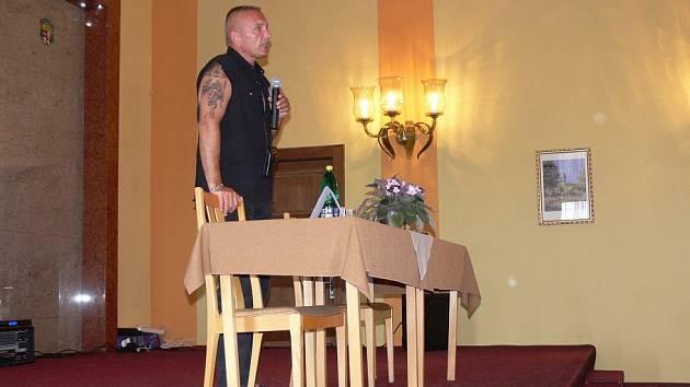 Jiří Komorous přijel přednášet pro žáky varnsdorfského gymnázia.