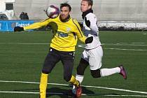 VARNSDORF (ve žlutém) prohrál s Mladou Boleslaví 0:3.