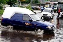 Déšť v Děčíně zkomplikoval dopravu