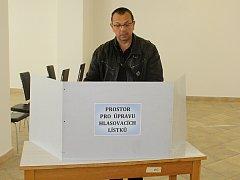 Odhlasováno má také již děčínský poslanec a místopředseda ČSSD Jaroslav Foldyna.