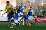 BRAVO! Fotbalisté Varnsdorfu (ve žlutém) doma porazili Táborsko.